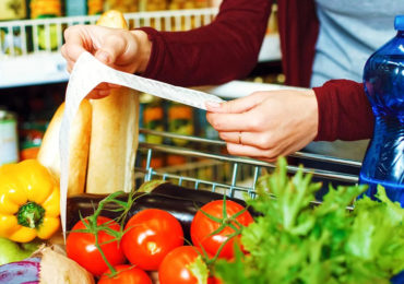 ФАС «подбирается к ценам» на продукты питания в торговых сетях