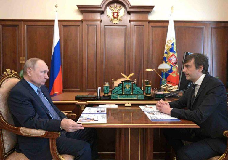 Путин: надо допустить в конце концов родителей до контроля за качеством питания